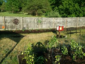 Outdoor classroom: Little free library & reading nook